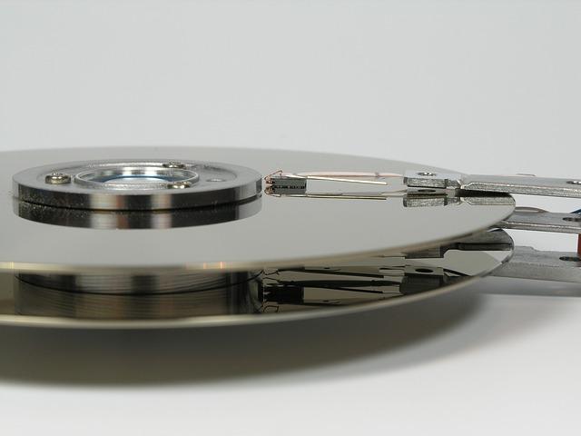 hard-drive-1680238_640.jpg