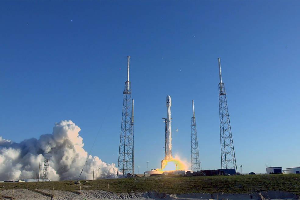 NASA新卫星TESS搭载猎鹰9号火箭执行发射升空: 寻找系外新地球