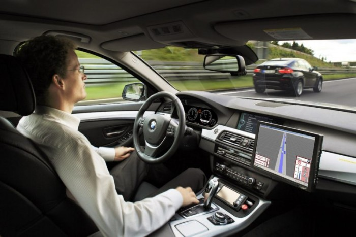 自动驾驶汽车会杀人 人们需要意识到并接受这点