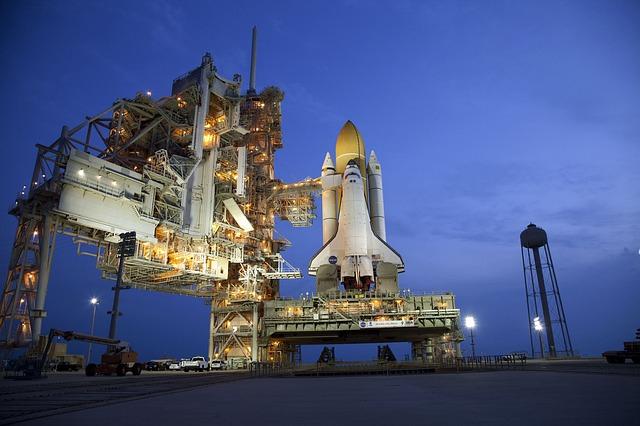 波音hantom Express 航天飞机引擎AR-22火箭引擎已完成组装