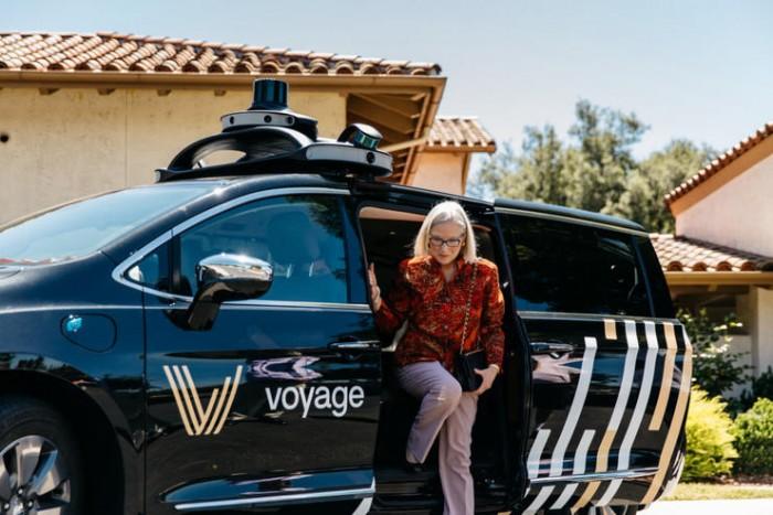 Voyage二代自动驾驶出租车接上了Velodyne128线的激光雷达