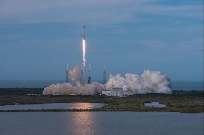 SpaceX今天发射猎鹰9火箭 为国际空间站送去AI机器人