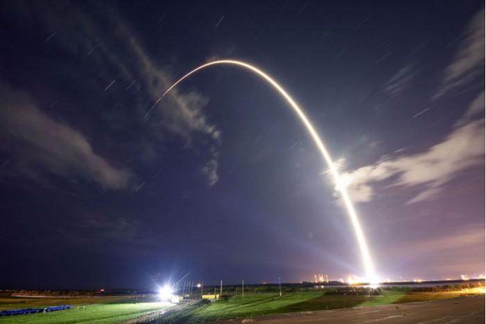 哈萨克斯坦计划使用 SpaceX 的火箭发射卫星