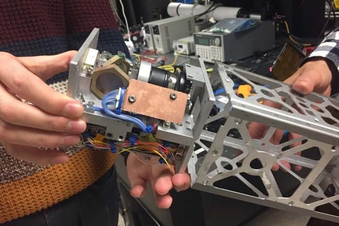 MIT新设计的激光器有助于CubeSat卫星处理大量数据的下行