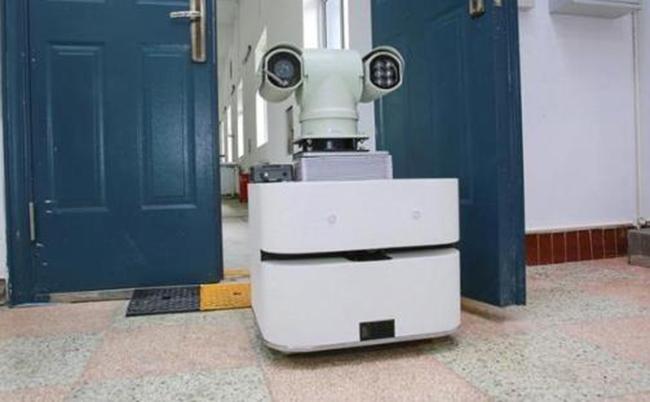 运维即将进入AI时代 巡检机器人问世